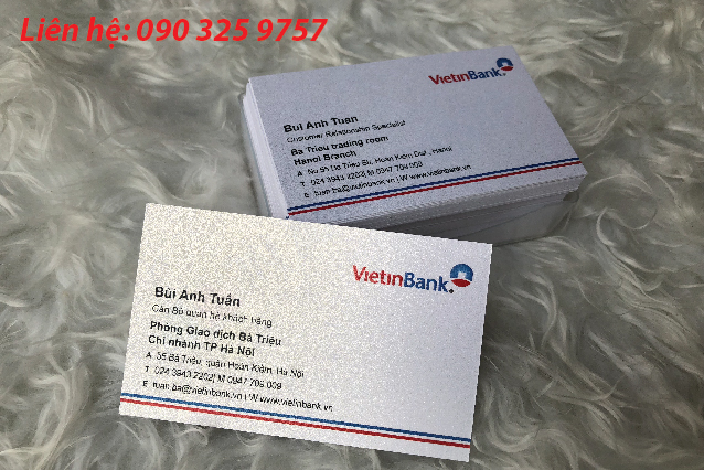 Name card sử dụng chất liệu ánh trai